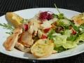 kureci-salat-s-redkvickami